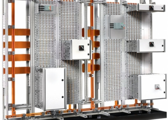 0001_plug-power_1550693145-eb1e35a547a4fb3d212960a159d5c32c.jpg